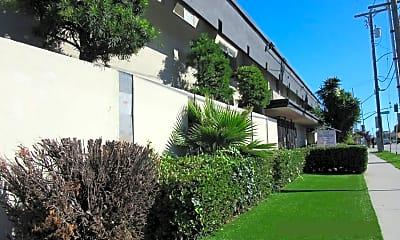 Building, 12714 S Inglewood Ave, 1