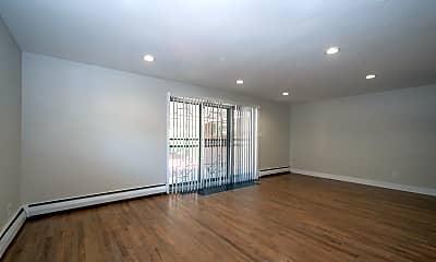 Living Room, 821 Grape St, 1