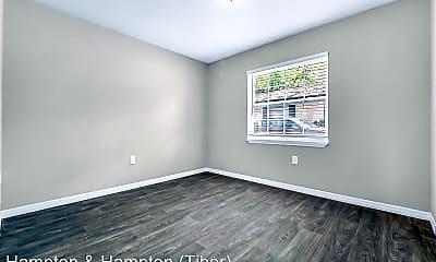 Living Room, 1100 Birchwood Ct, 2