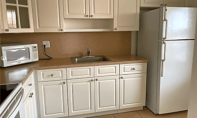 Kitchen, 10411 SW 108th Ave, 1