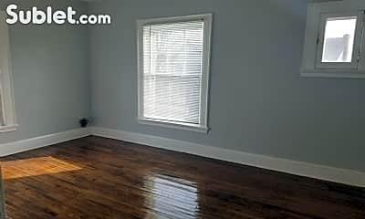 Living Room, 624 Chatham Ct, 2