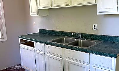 Kitchen, 646 E 123rd St, 2