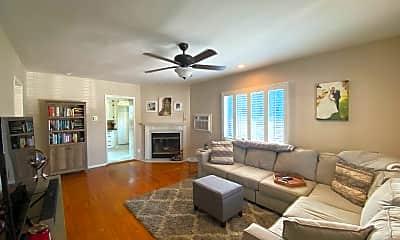 Living Room, 1324 Prospect Ave, 1