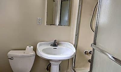 Bathroom, 1537 Washington Ave, 2