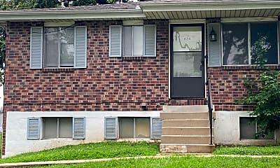 Building, 824 NE 68th St, 0