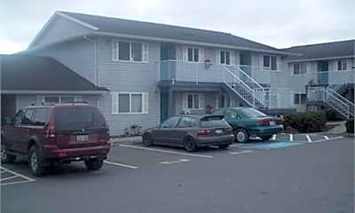 Building, 101 S Oak Harbor St, 1