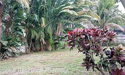 Community Signage, 837 SE Polynesian Ave, 2