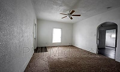 Bedroom, 1433 W 5th St, 1