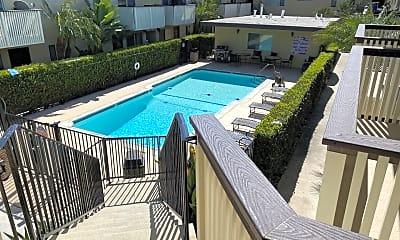 Pool, 660 F St, 2