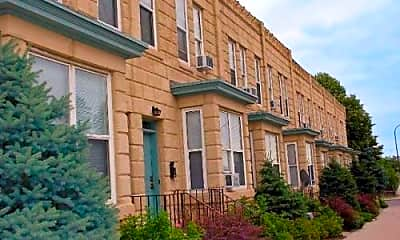 Castle Townhomes, 1