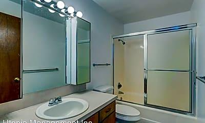 Bathroom, 600 DRAYTON ST, 2