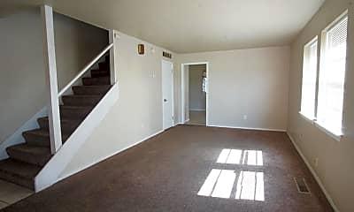 Living Room, 1010 E Main St, 1