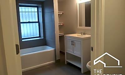 Bathroom, 2503 E 74th St, 1