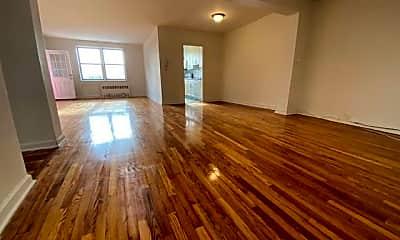 Living Room, 150 Pelham Rd 4, 1