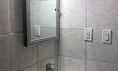Bathroom, 972 Lawton St SW, 2