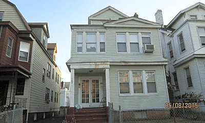 Building, 142 Mapes Ave, 0