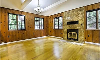 Living Room, 153 Pine Ave, 1