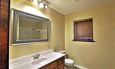 Bathroom, 2133 Loren Cir, 2