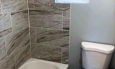 Bathroom, 2029 Monroe Blvd, 2