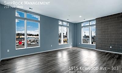 Living Room, 1515 Kenwood Ave - 303, 2