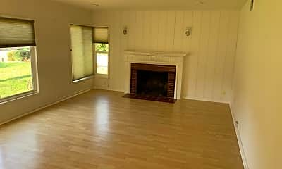 Living Room, 20185 Thelma Ave, 1