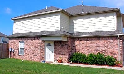 Building, 305 Copper Oaks Dr, 1