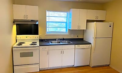 Kitchen, 522 W Maple St, 1