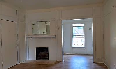 Living Room, 848 N Court St, 1