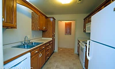 Kitchen, 1717 Redbud Dr, 1
