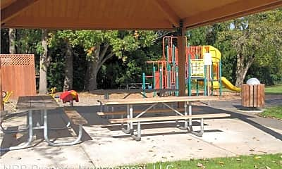 Playground, 411-4111/2 Short St, 2