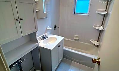Bathroom, 81 Beacon Hill Dr 3B3, 2