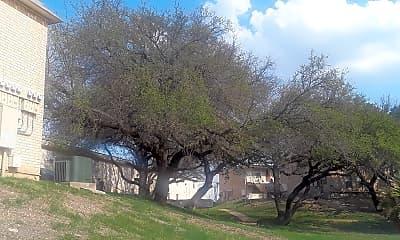 Oak Tree Apartments, 2