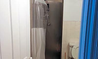 Bathroom, 3930 Pine St, 2