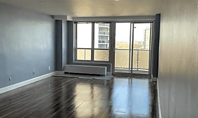 Living Room, 2055 Center Ave, 1