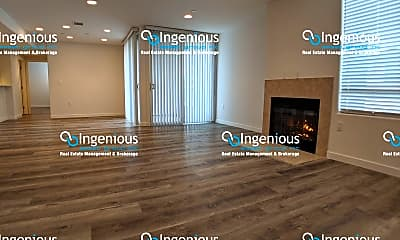 Living Room, 5143 White Oak Ave, 0