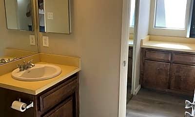 Bathroom, 3808 Cinnamon Ct, 2