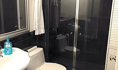 Bathroom, 200 Cove Way, 2