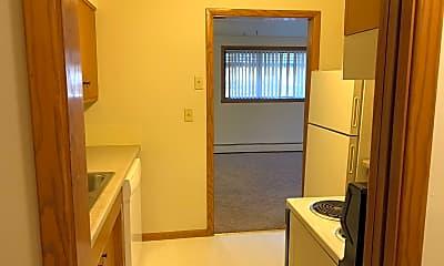 Kitchen, 1225 N Broadway Dr, 1