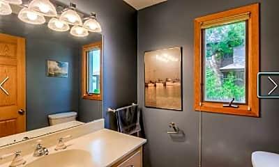 Bathroom, 2815 McKenzie Point Rd, 1