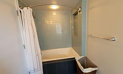 Bathroom, 310 Cliff Ln 2F, 2