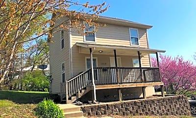 Building, 1516 E 37th St, 1