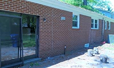 Building, 880 Cascade Dr, 1