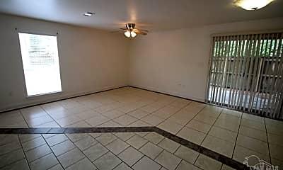 Living Room, 6248 Hamilton Bridge Rd A, 1