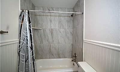 Bathroom, 2100 Carlton St. 22, 2