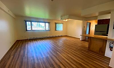Living Room, 120 N Hoyt St, 1