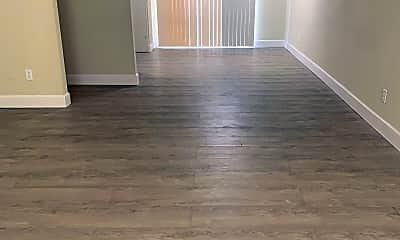 Living Room, 2290 Long Ave, 2