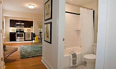 Bathroom, 1911 R St NW, 2