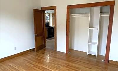 Bedroom, 298 Lancaster St, 2
