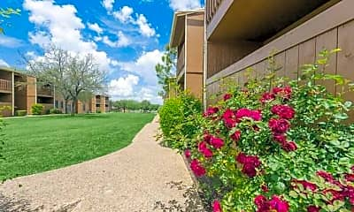 Willow Creek Apartments, 2