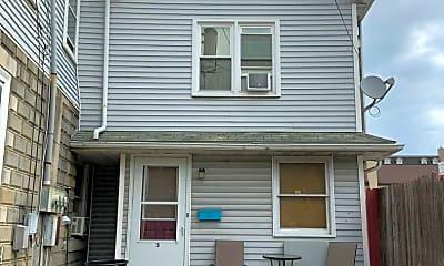 Building, 5 W Franklin St, 0